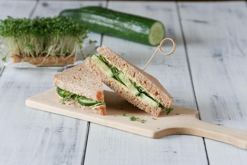Okurkový sendvič s řeřichou